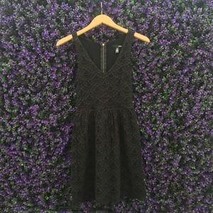 Aqua V-neck Sleeveless Lace Dress
